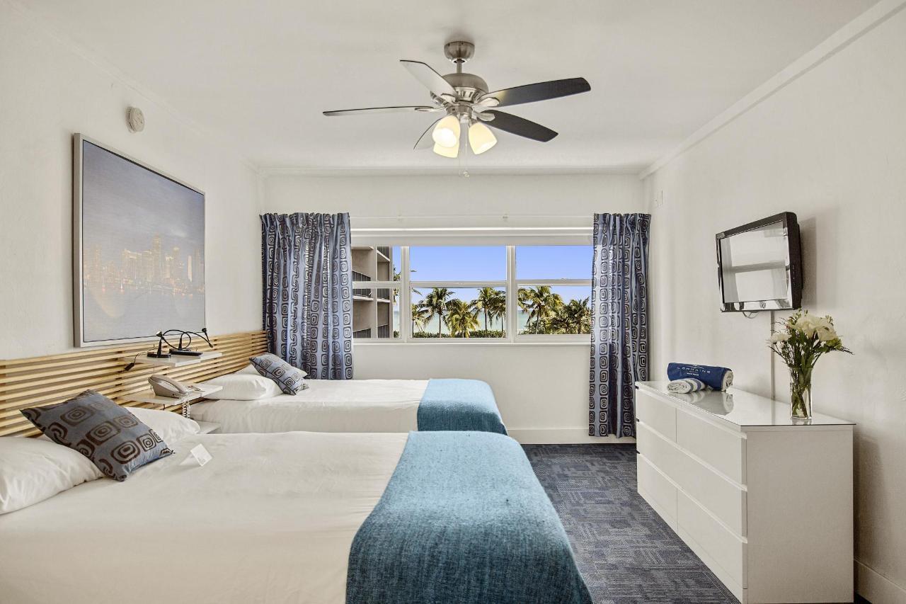 Room 306-14.jpg