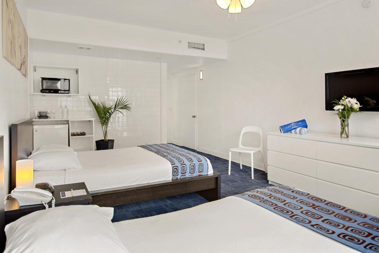 Room 227-5.jpg