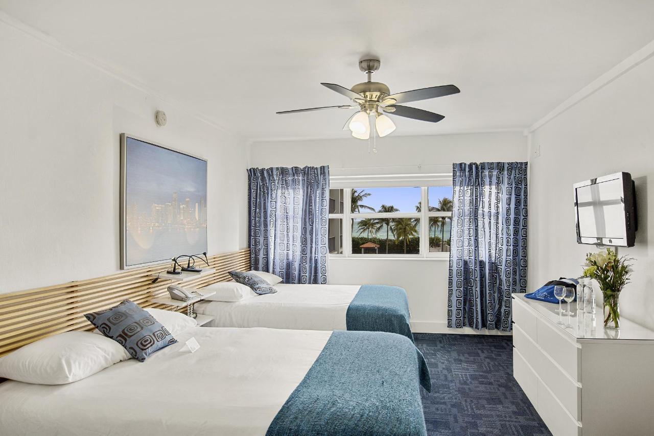 Room 306-4.jpg