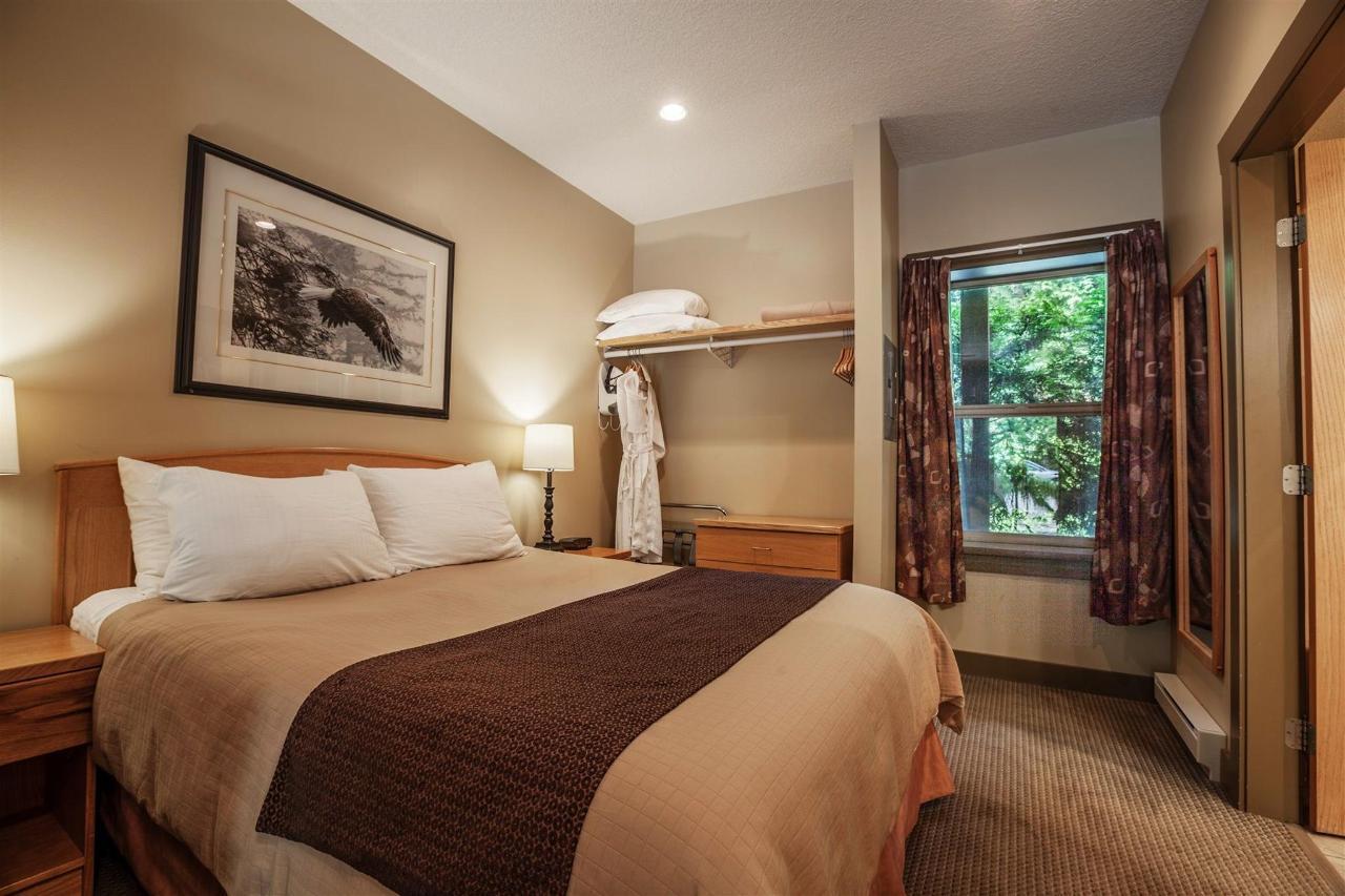 Tigh-Na-Mara Seaside Spa Resort Jedediah Room