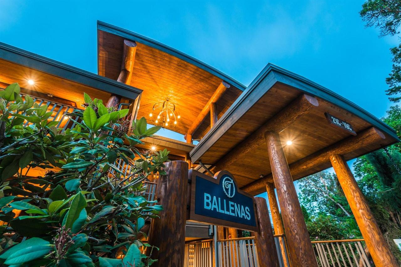 Tigh-Na-Mara Seaside Spa Resort Twilight Ballenas