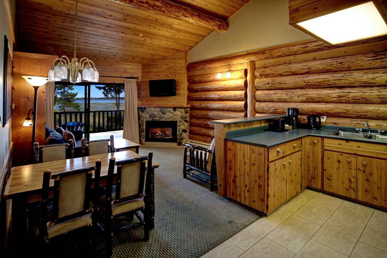 Tigh-Na-Mara Seaside Spa Resort Texada Suite