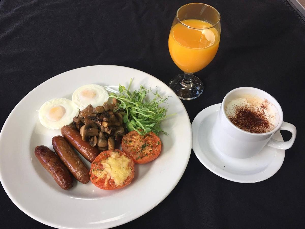 cooked-breakfast1 (1).jpg