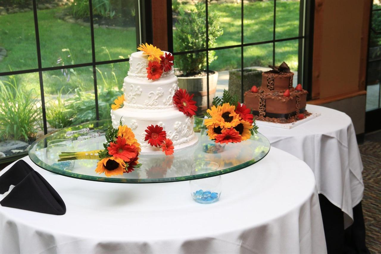 calhouns-catering-cake-table-setup.jpg