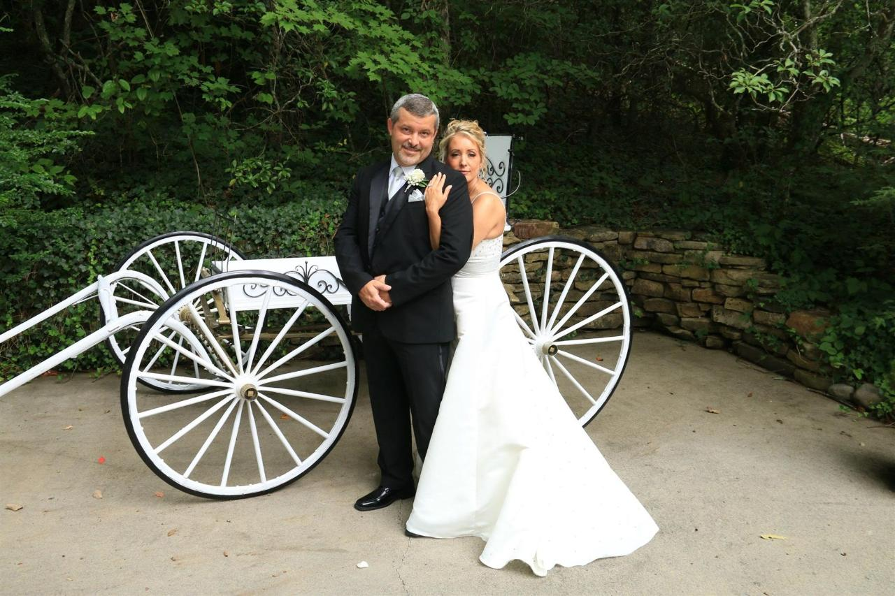 chapel-at-the-park-carriage-couple.jpg