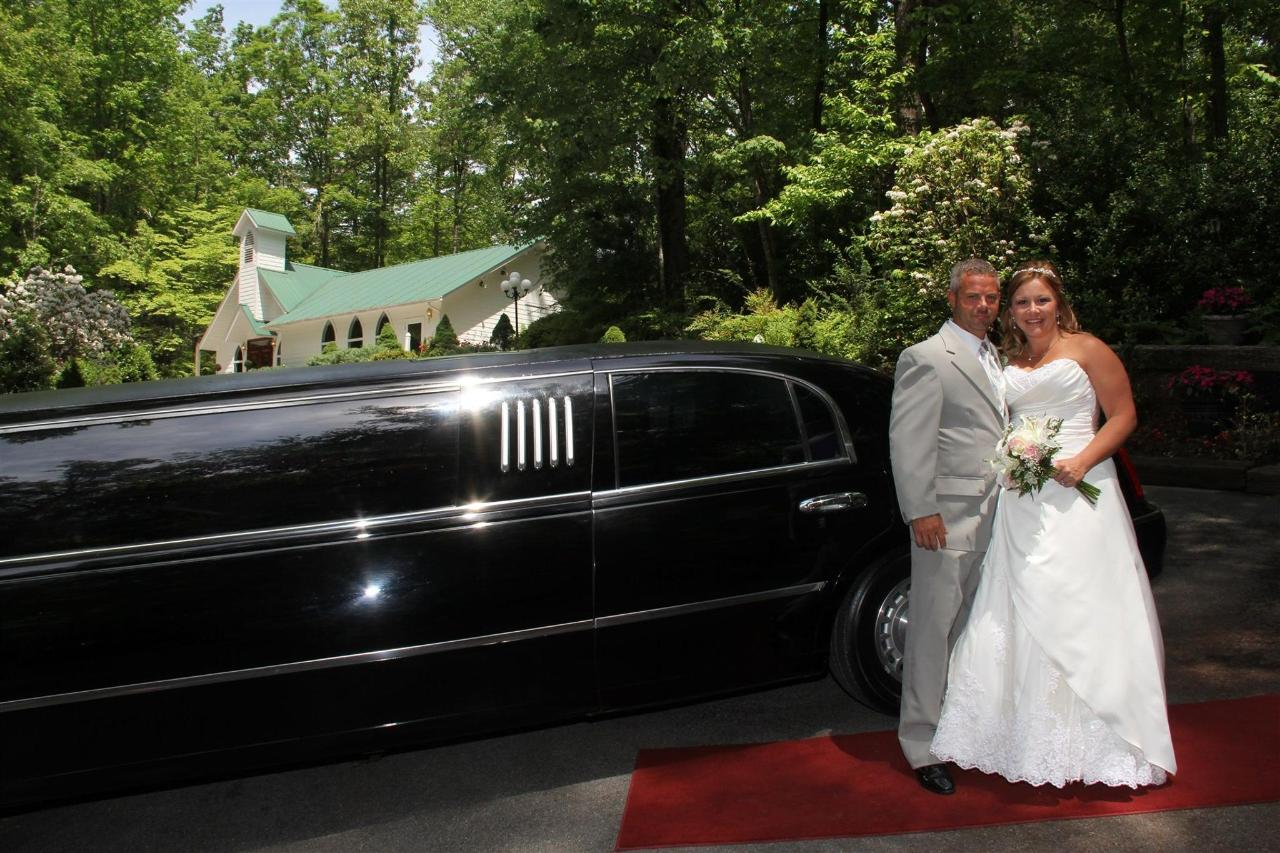 chapel-at-the-park-limo-may-2015-01.jpg