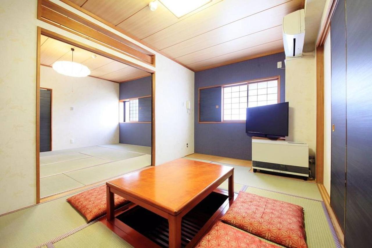 room_d.JPG.1024x0.jpg