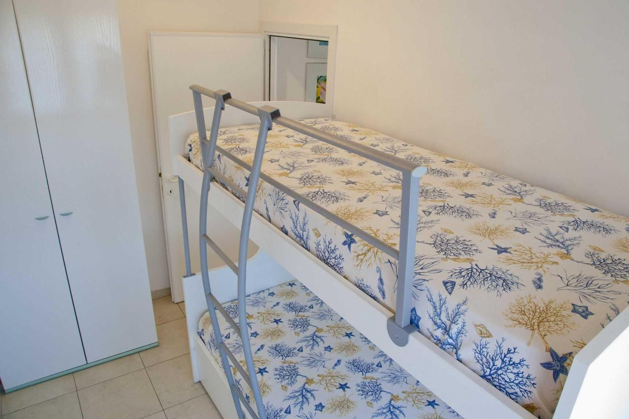 Appartamento bilocale - camera.jpg