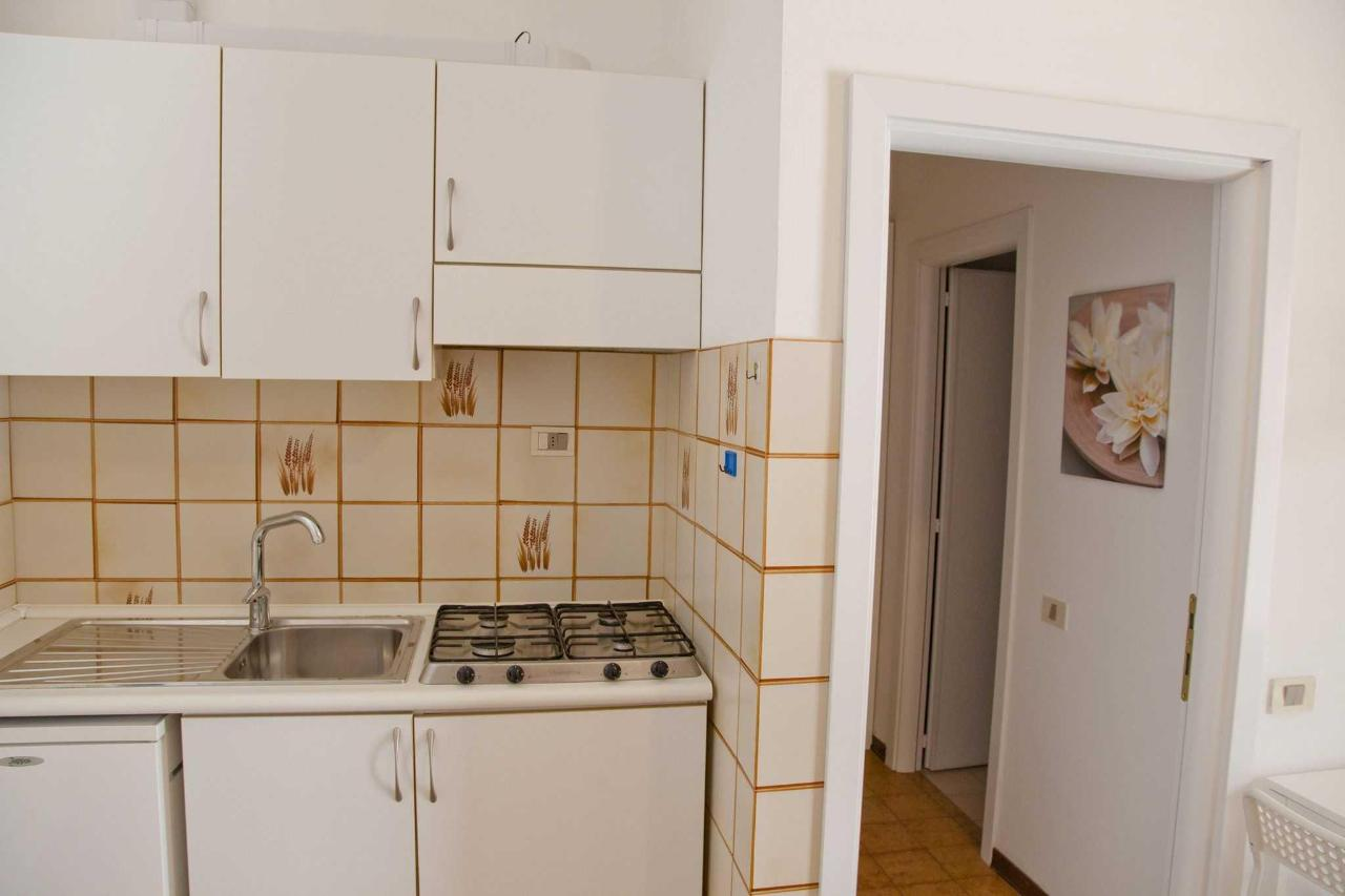 Appartamento monolocale - angolo cottura.jpg