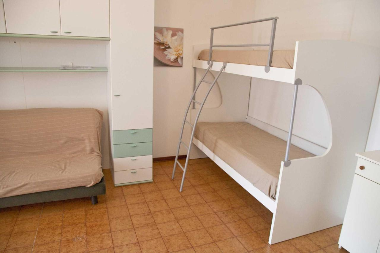 one-room apartament -living and sleeping room.jpg