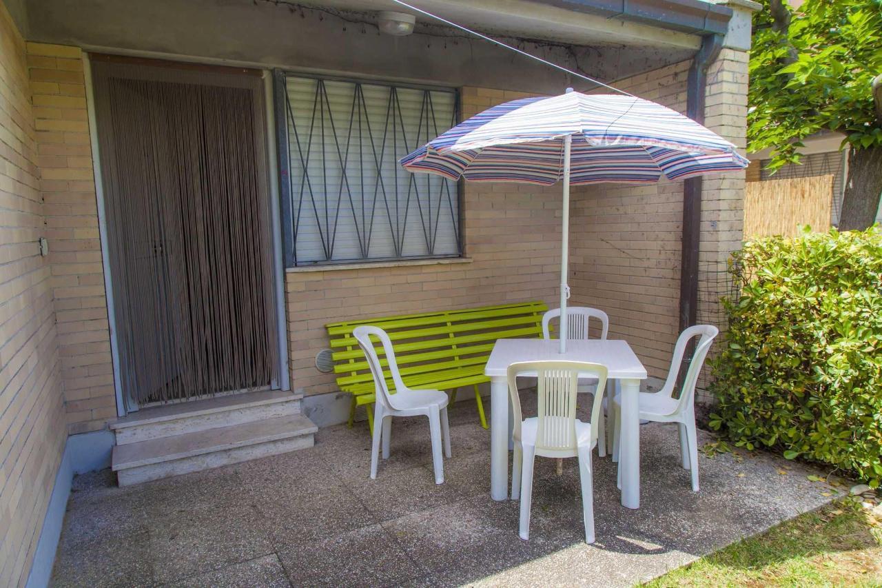 Bungalow comfort - patio.jpg