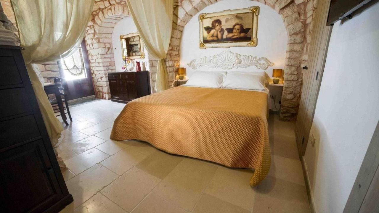 interni trullo tipico resort.jpg