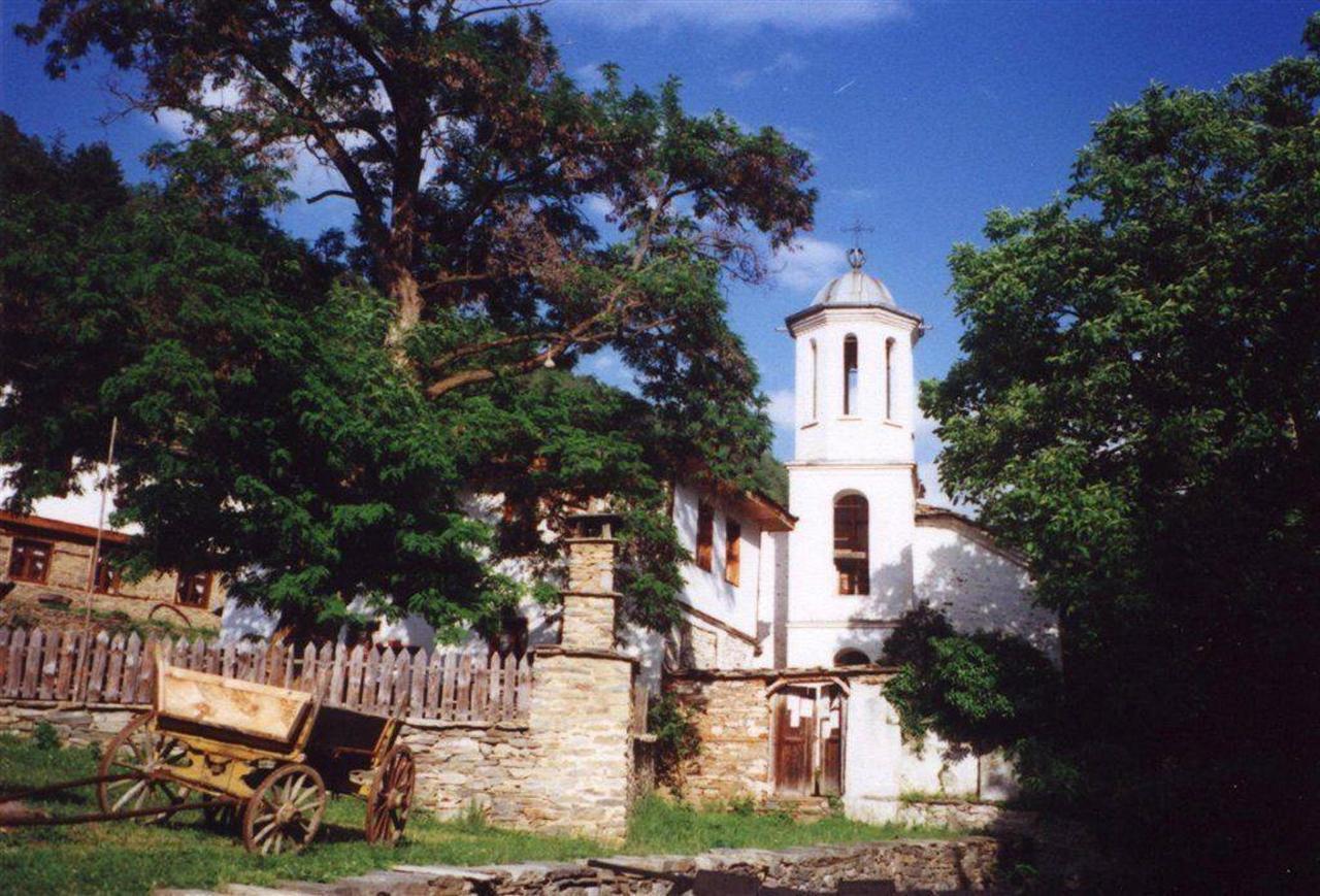 Village of Leshten.jpg