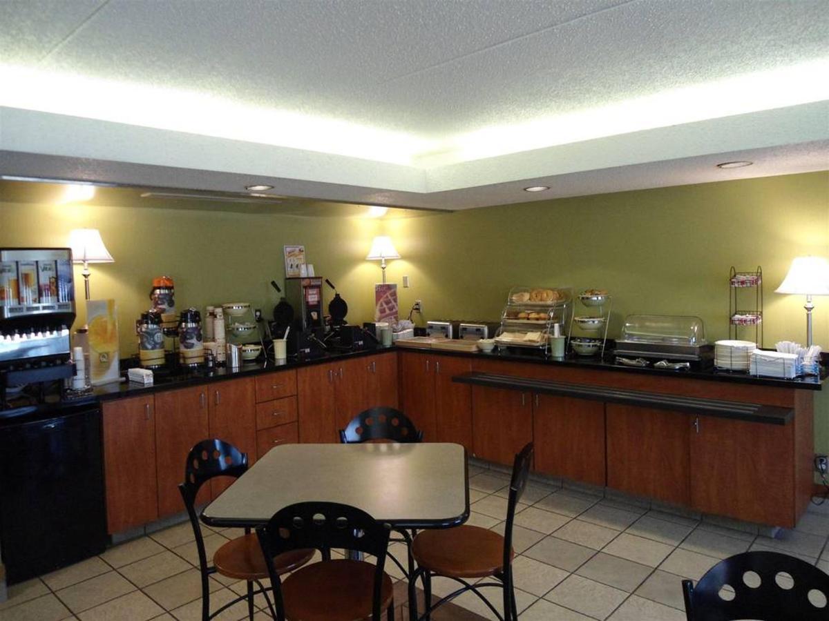 breakfast-room.JPG.1024x0.JPG