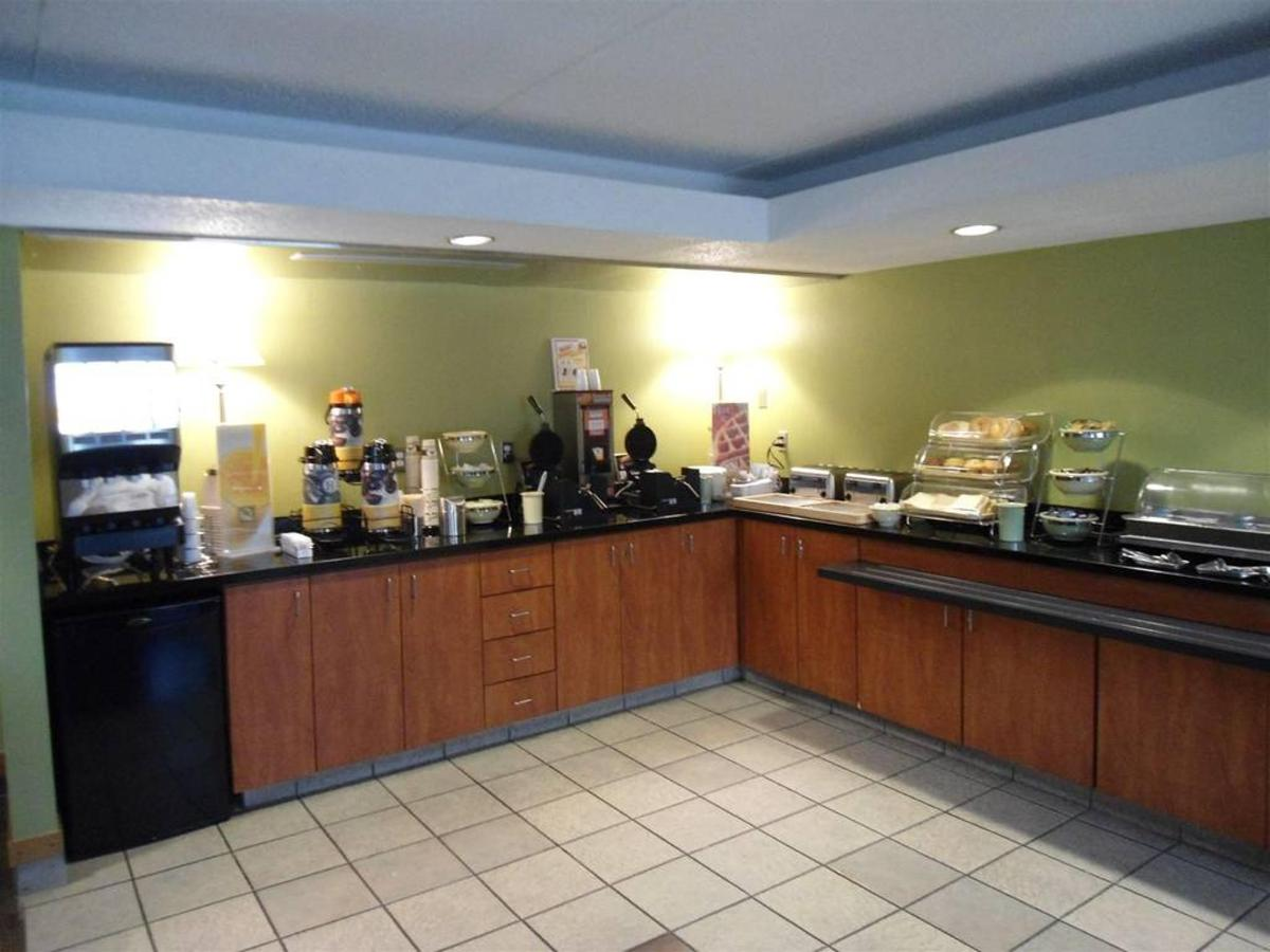 breakfast-room-3.JPG.1024x0.JPG