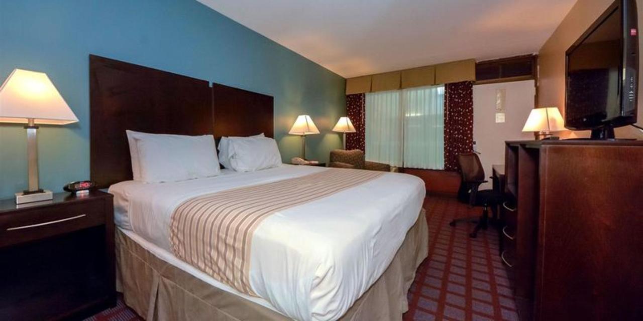 King Bed 4.jpg