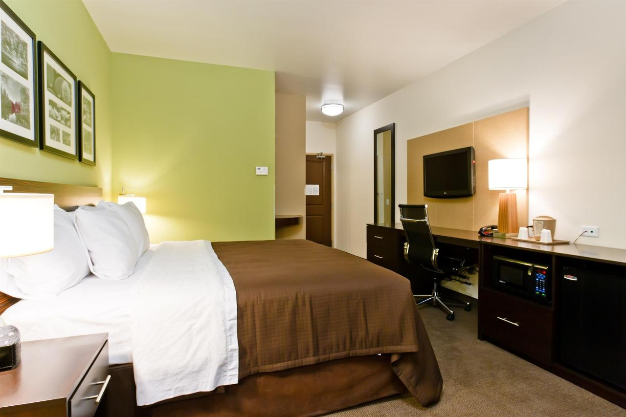 ks148-sleep-inn-king-room-2.jpg
