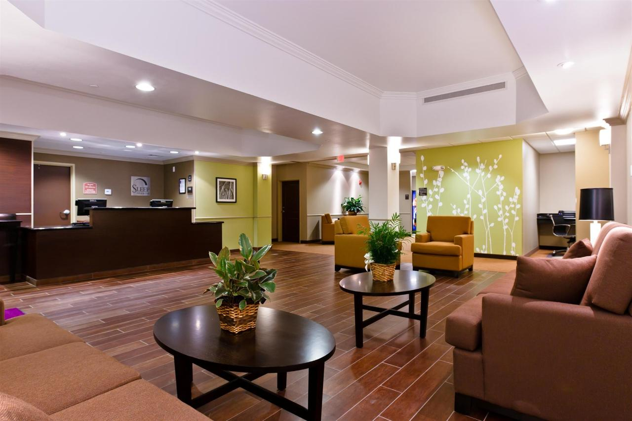 ks148-sleep-inn-lobby-1-1.jpg