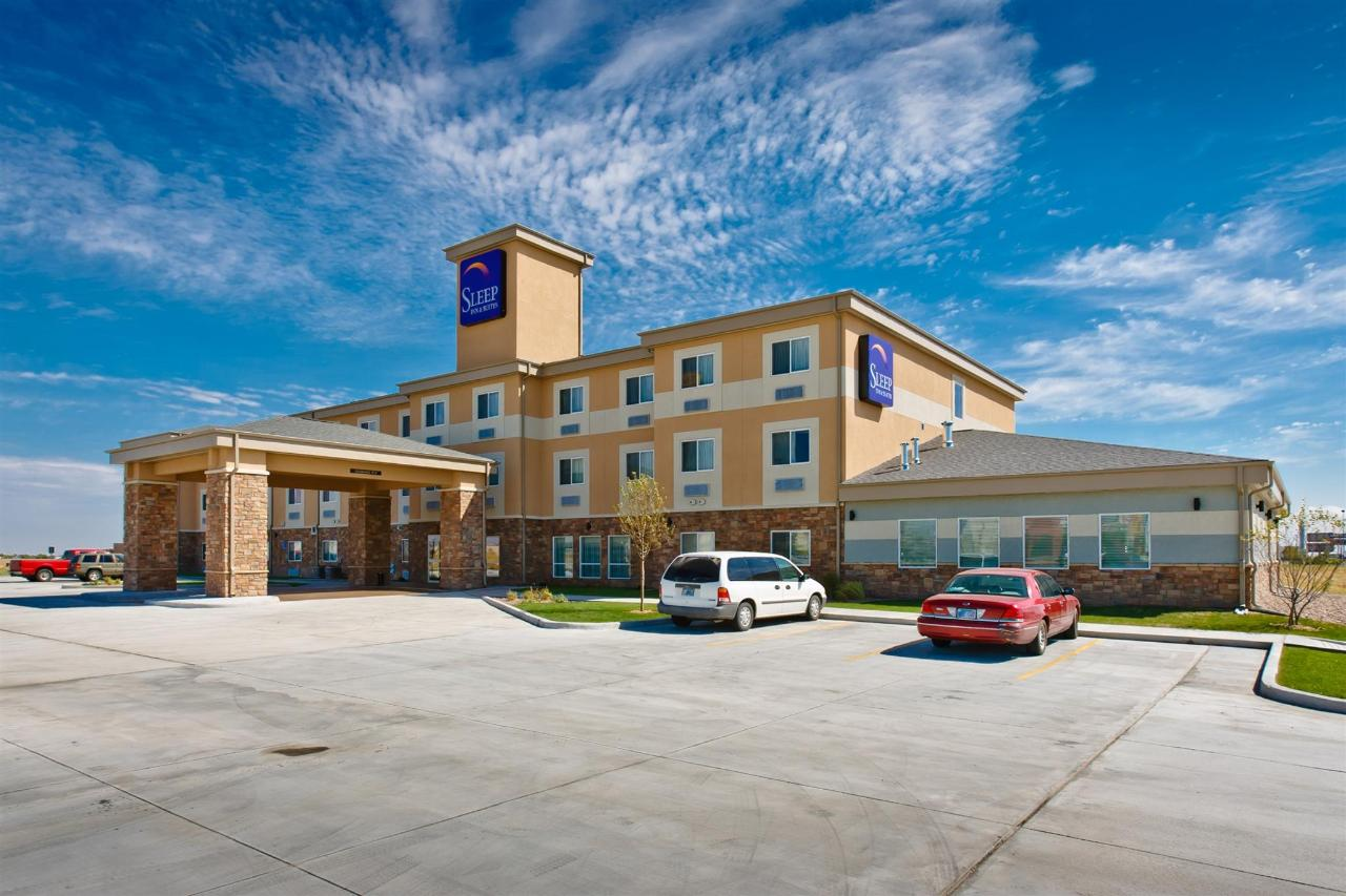 ks148-sleep-inn-exterior-5.jpg