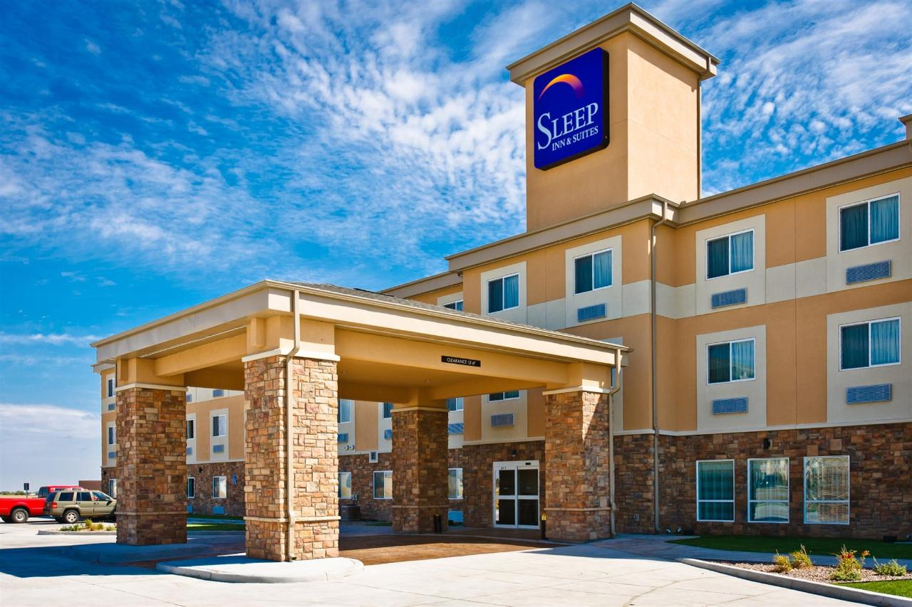 ks148-sleep-inn-exterior-8.jpg