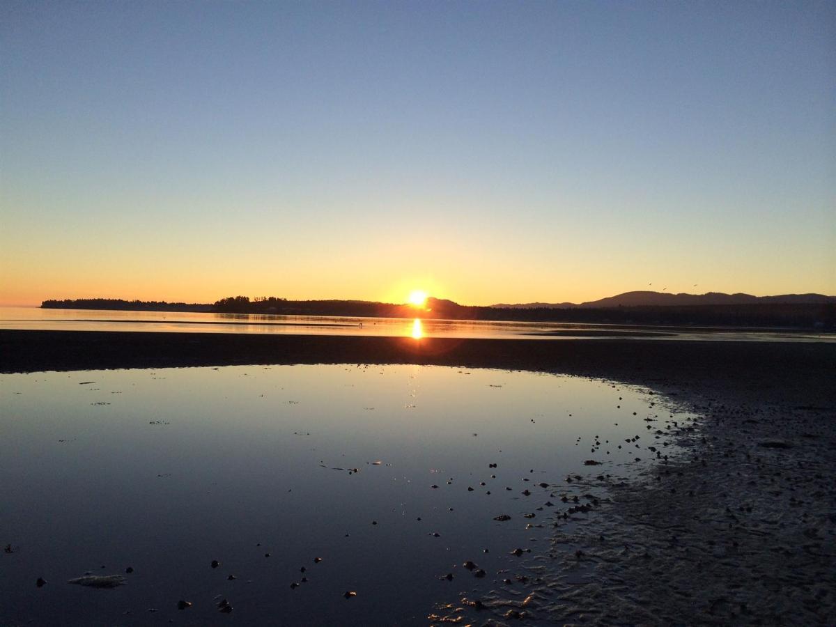 Tigh-Na-Mara Seaside Spa Resort Sunrise Beach Water