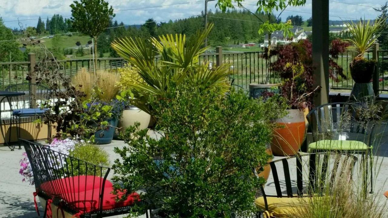 rooftop-garden-at-the-holiday-inn-express-sequim-1.jpg.1920x0.jpg