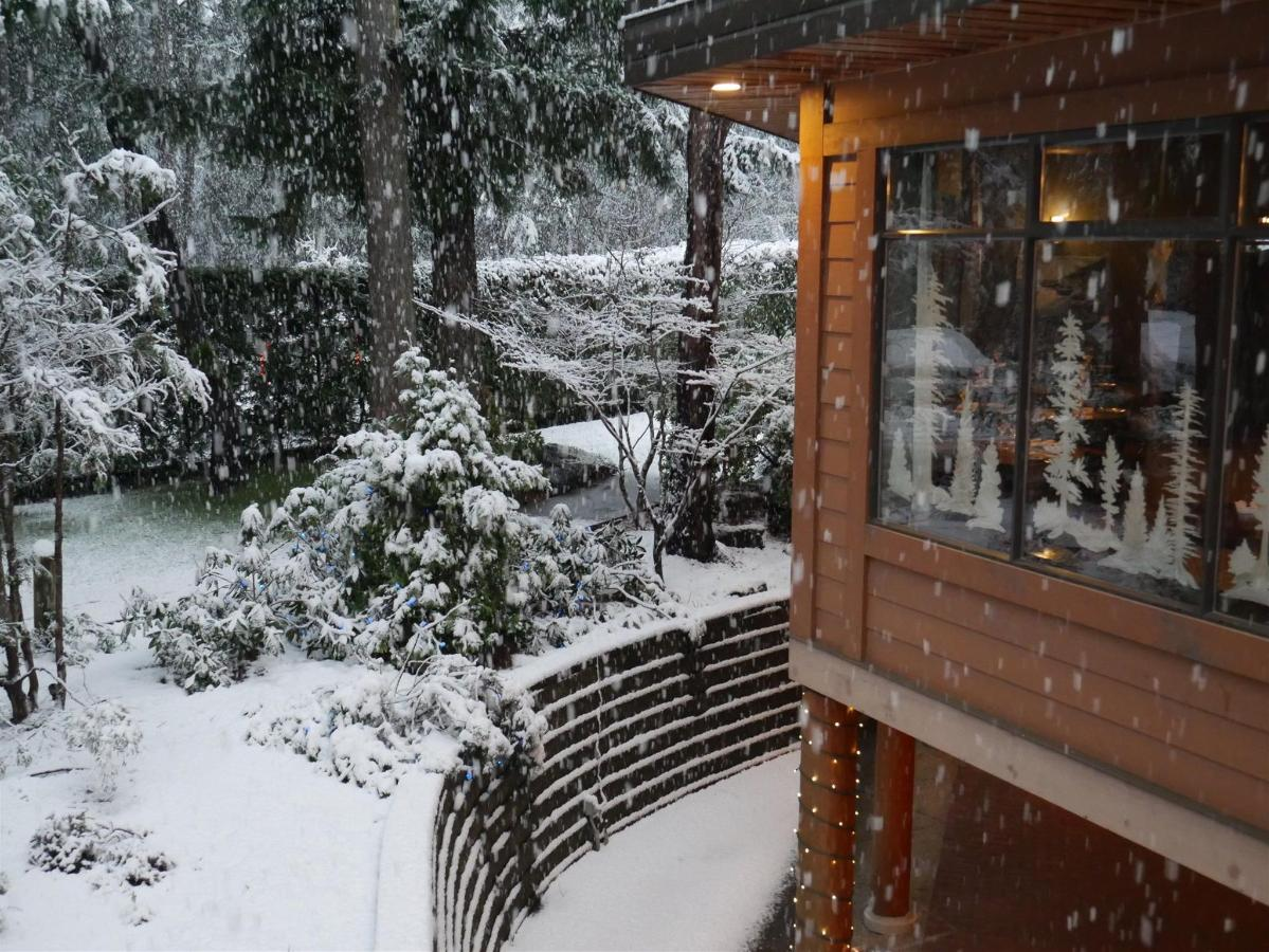 Tigh-Na-Mara Oceanview Resort Winter Snow Conference Centre