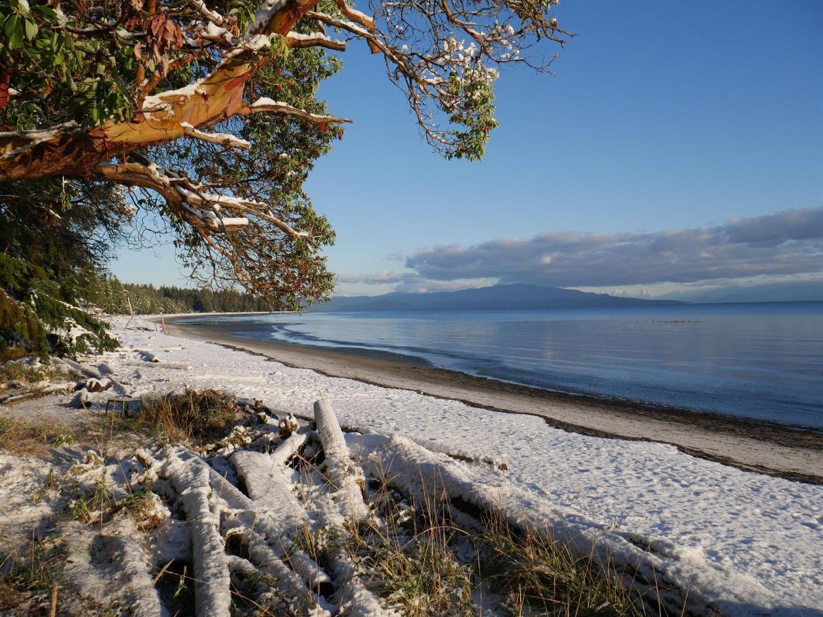 Tigh-Na-Mara Oceanview Resort Snowy Beach