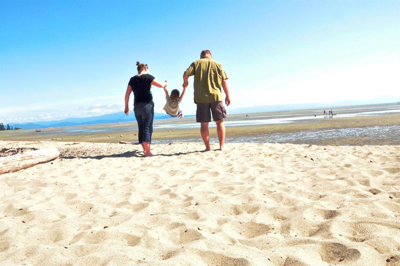 Tigh-Na-Mara Seaside Spa Resortrobert hryhorchzuk Family Beach