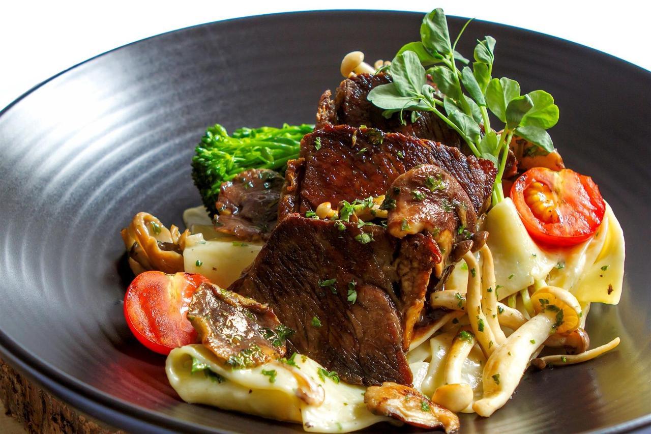 Tigh-Na-Mara Cedars Restaurantparpardelle