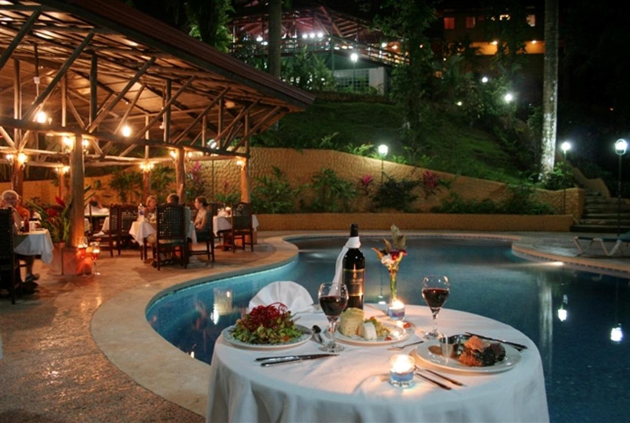 poolside-romance-bistro-restaurant-228k.jpg.1024x0.jpg