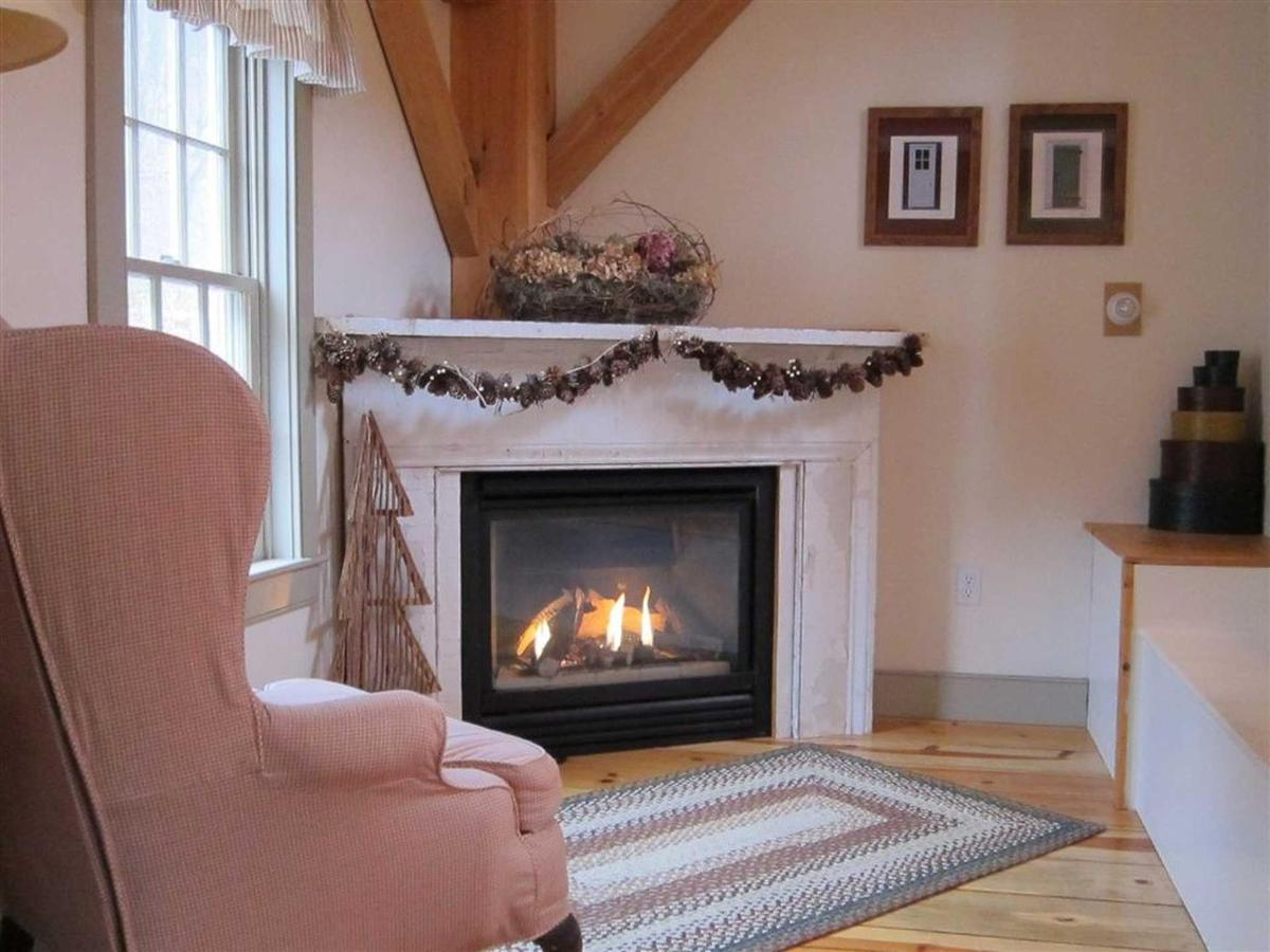 Pines-Fireplace.JPG.1920x0.JPG