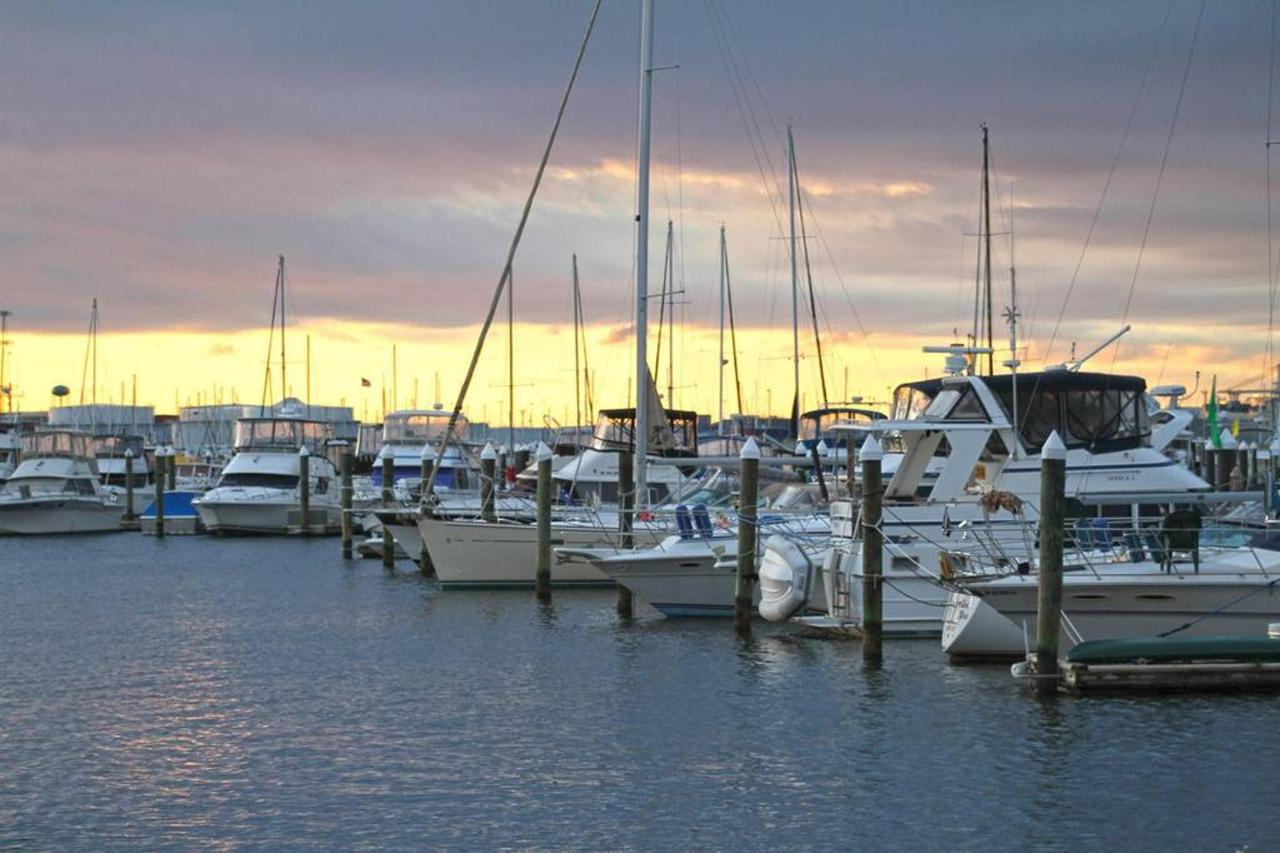 marina-at-sunset.jpg.1024x0.jpg