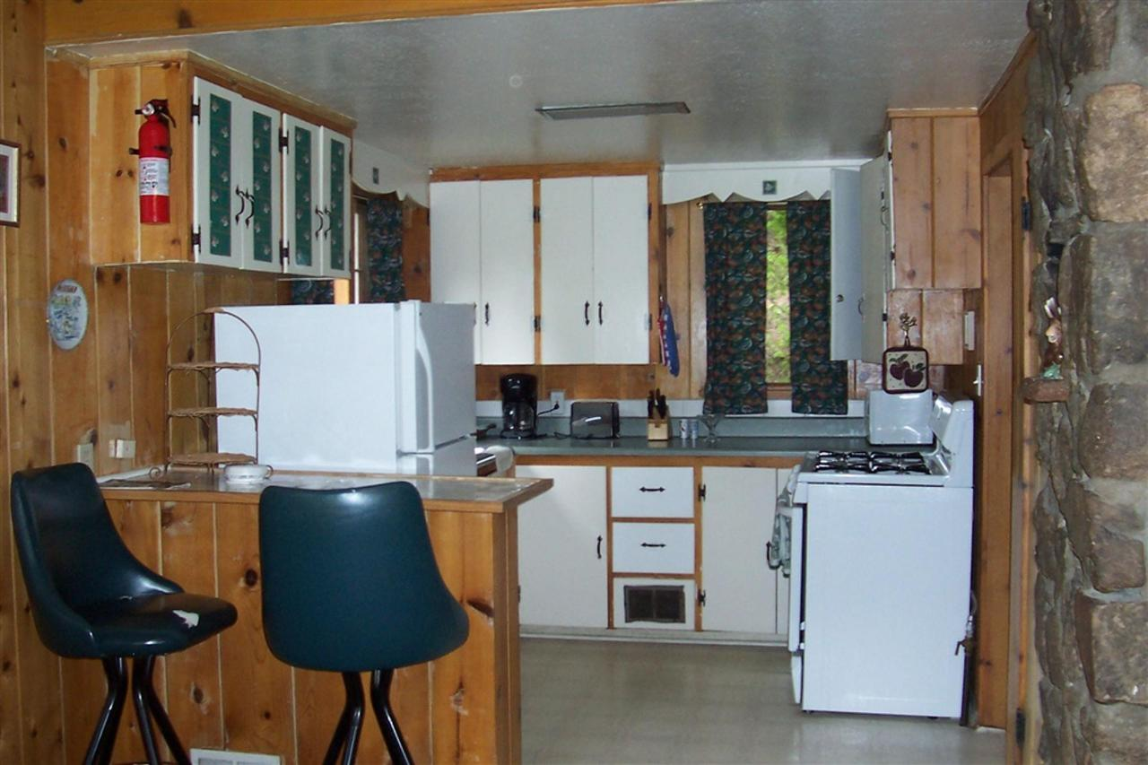 ponderosa-kitchen.JPG.1024x0.JPG
