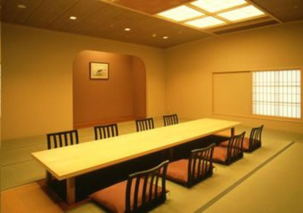 banquet1.jpg.1024x0.jpg