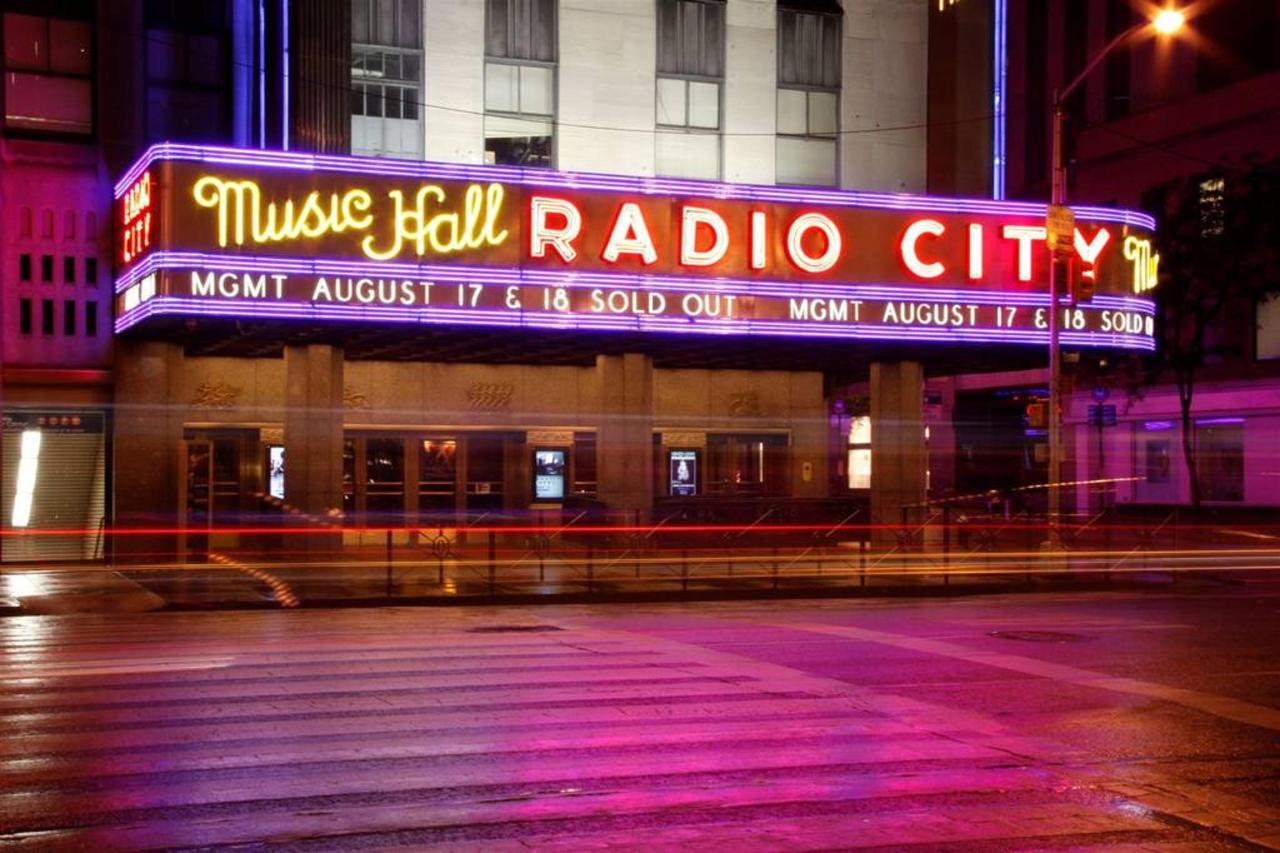 radio_city_music_hall_photo_clayton_cotterell.jpg.1024x0.jpg