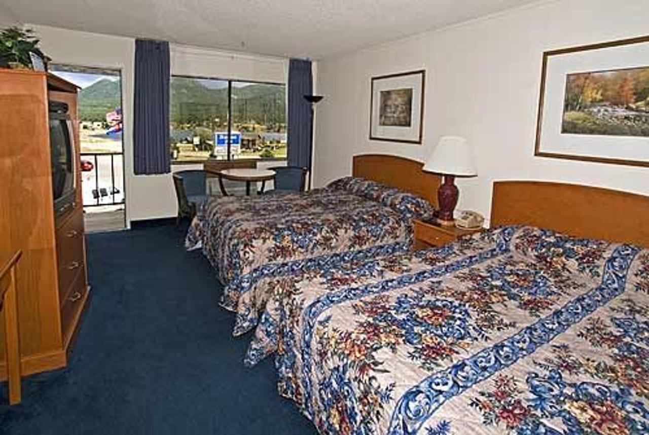 2 Queen Beds, Balcony, No Smoking.jpg