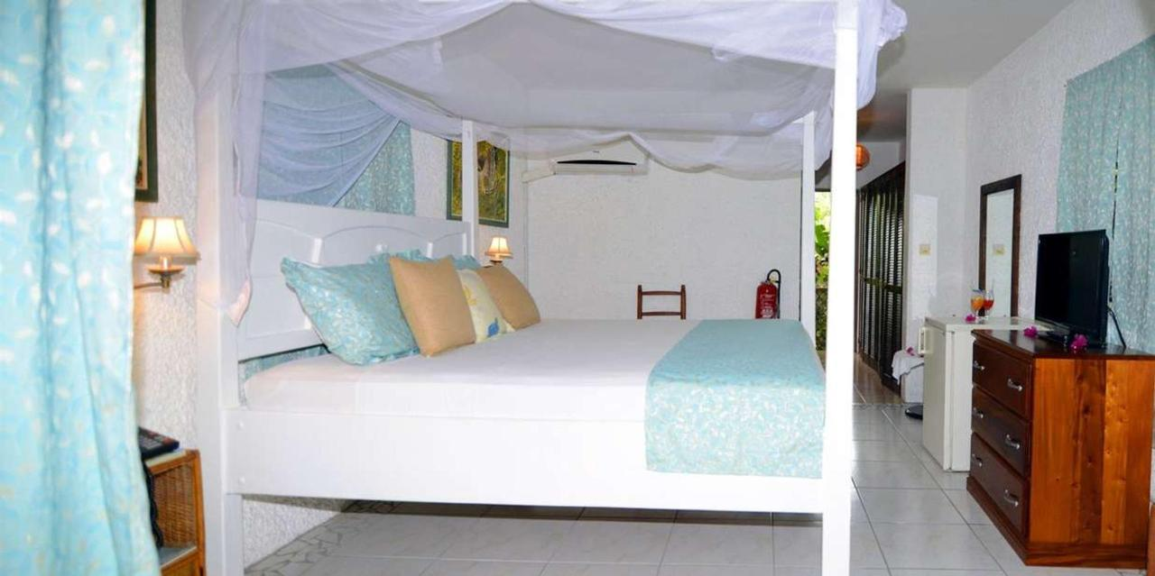 Superior A_C Rooms - Hummingbird - Saint lucia6.jpg