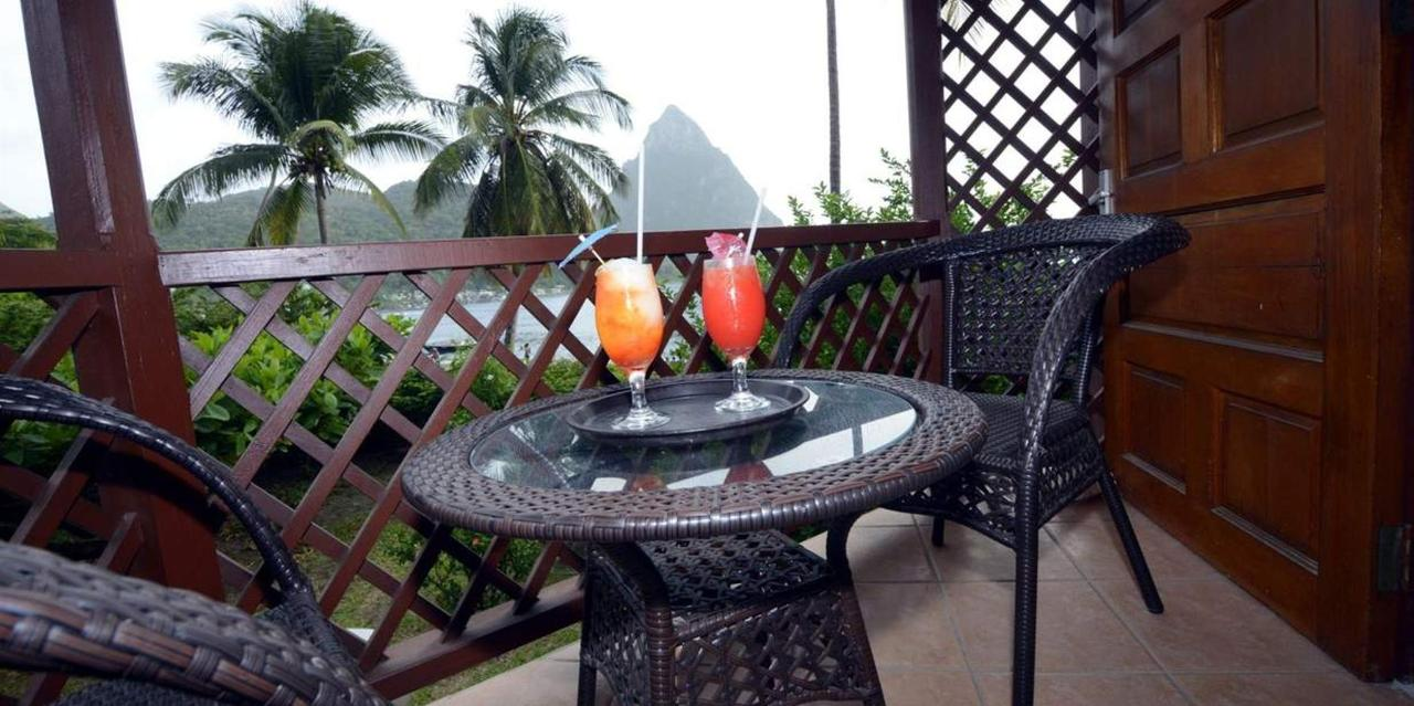 Superior Piton View Room - Hummingbird - Saint lucia.jpg