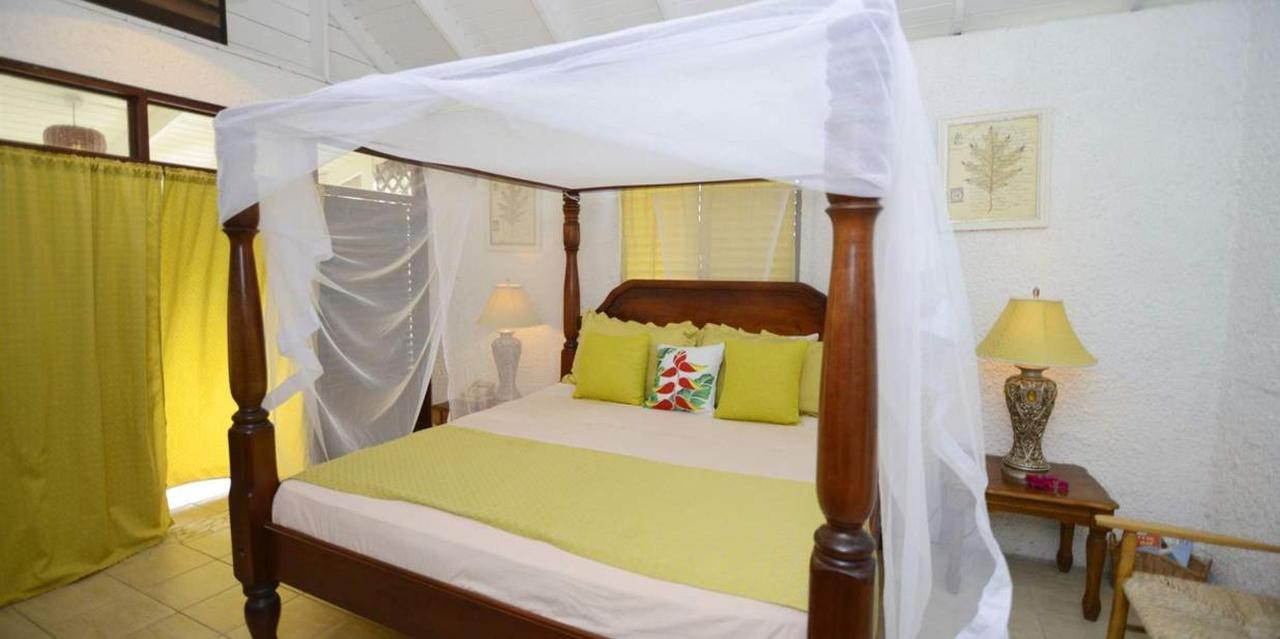 The Honeymoon Suite - Hummingbird - Saint lucia5.jpg