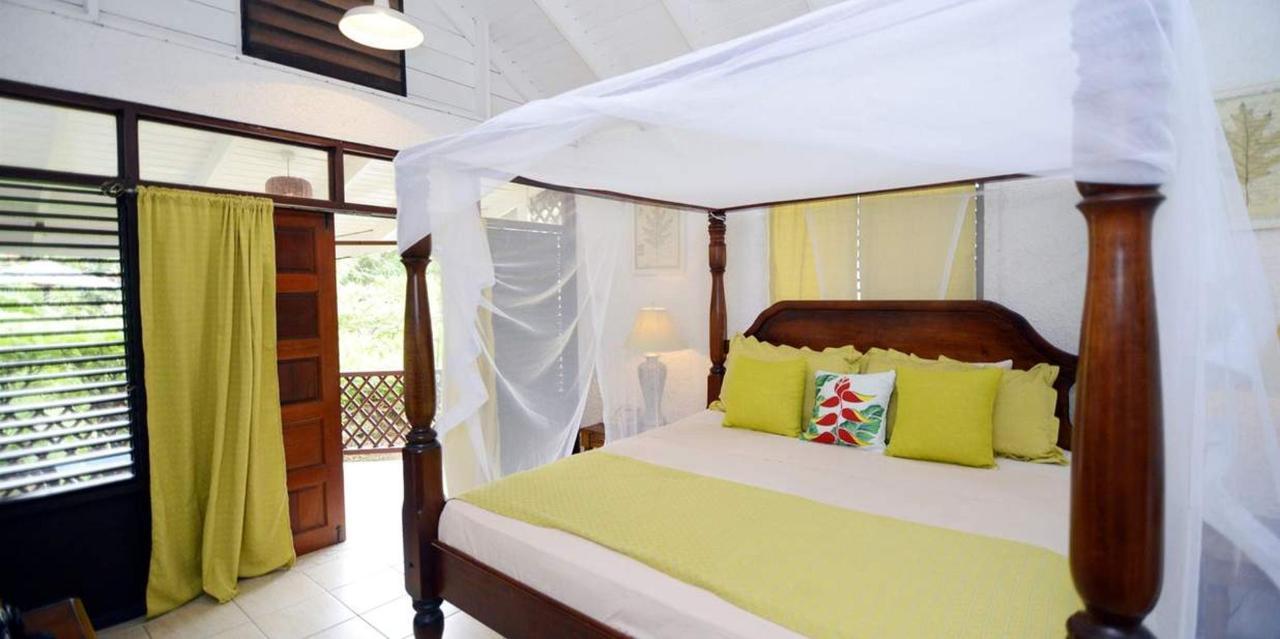 The Honeymoon Suite - Hummingbird - Saint lucia14.jpg