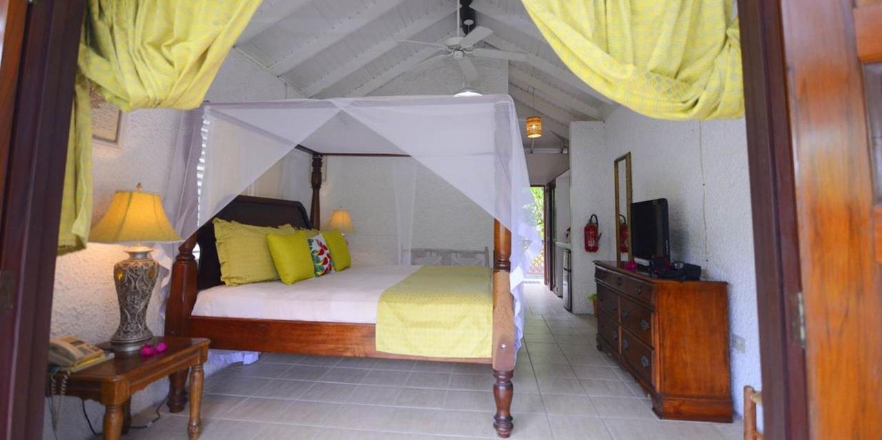 The Honeymoon Suite - Hummingbird - Saint lucia15.jpg