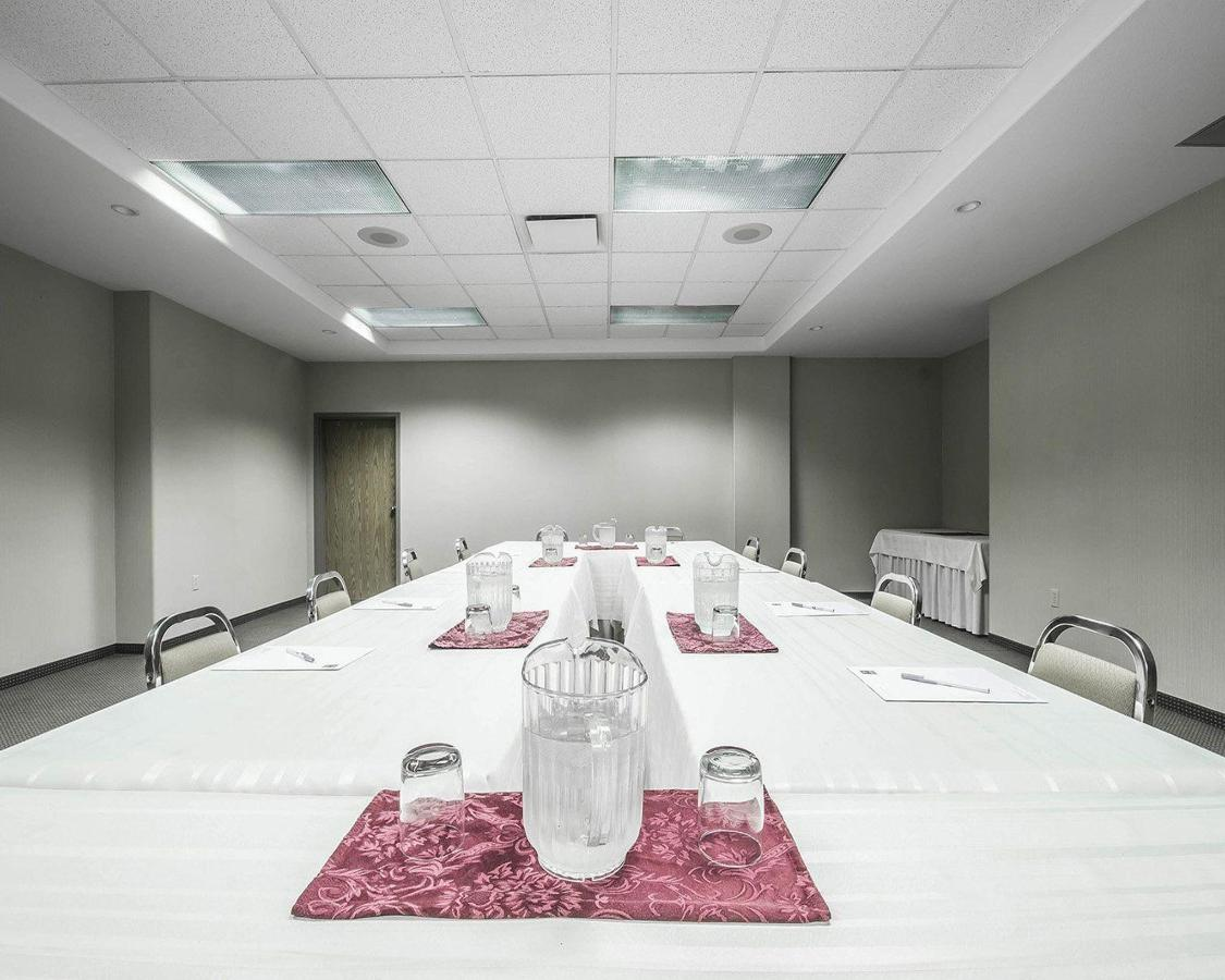 Meeting Room.JPG.jpg