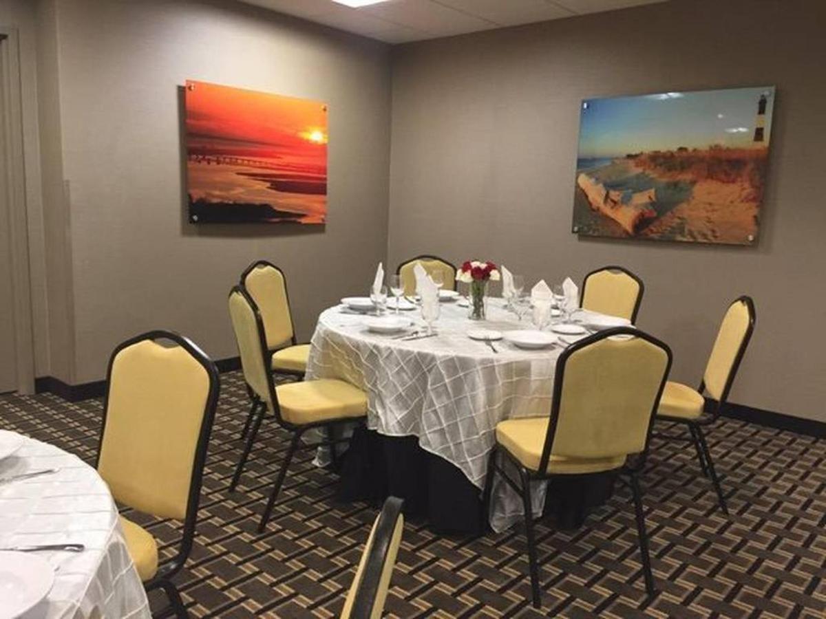 banquet-set-up-photo-1.jpg.1024x0.jpg