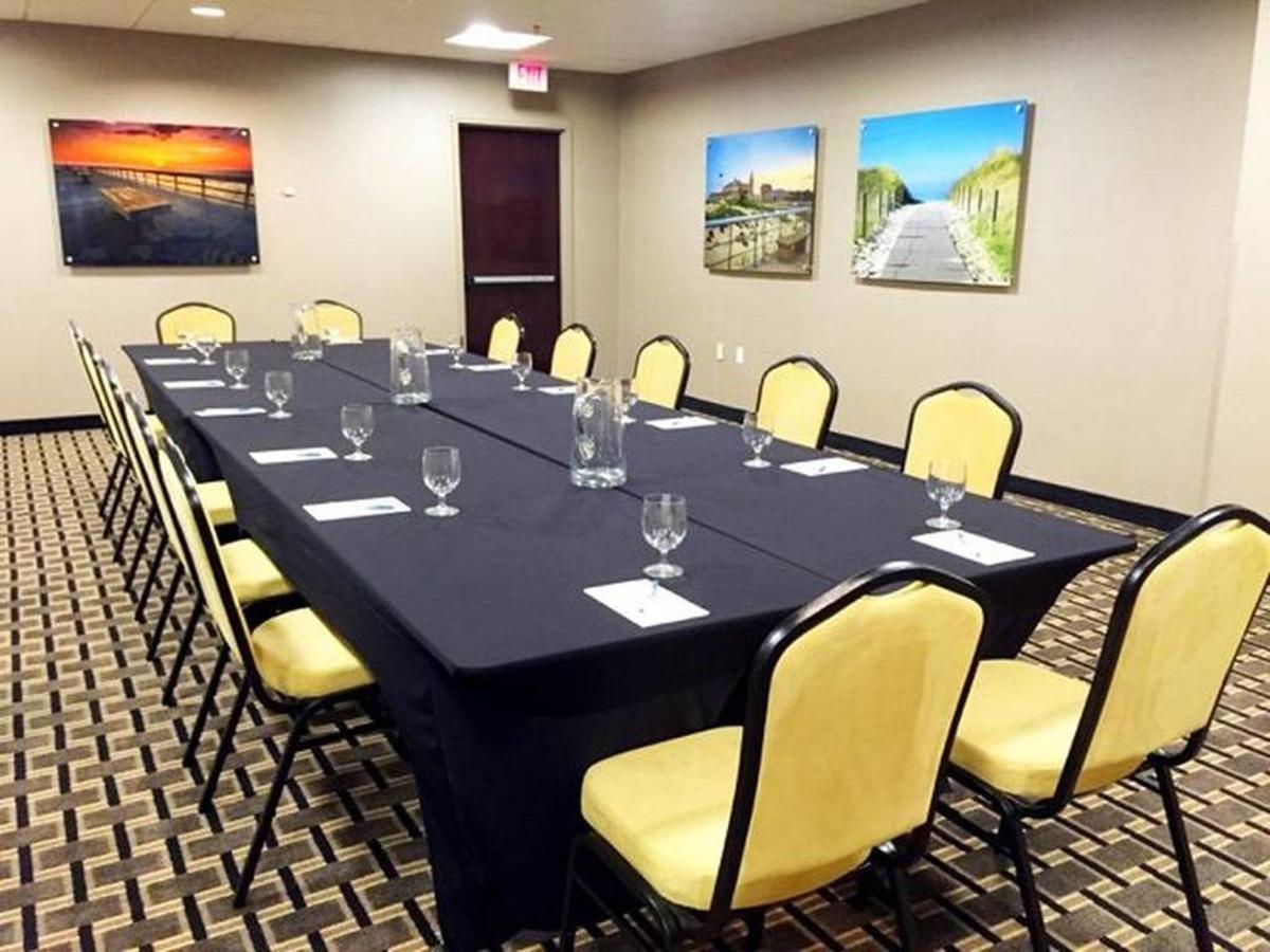 board-room-style-set-up-photo.jpg.1024x0.jpg