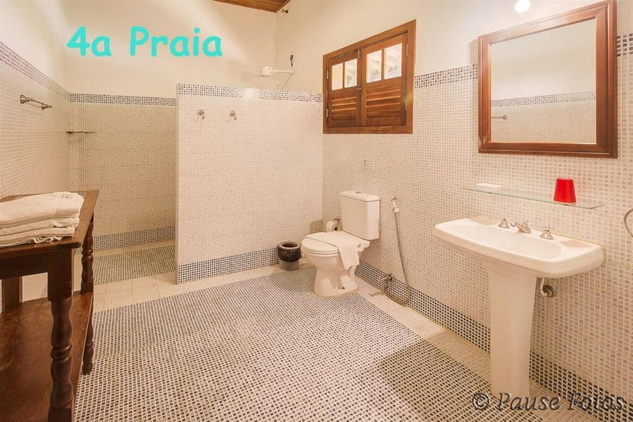 ma-ster-luxury-4a-beach-bathroom-with-text.jpg.1024x0.jpg