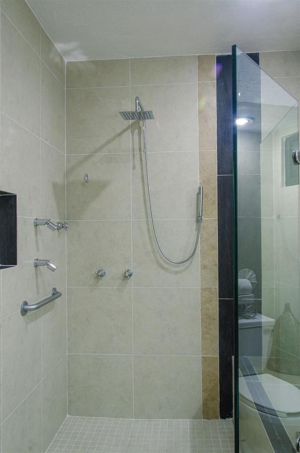 Suite2.jpg