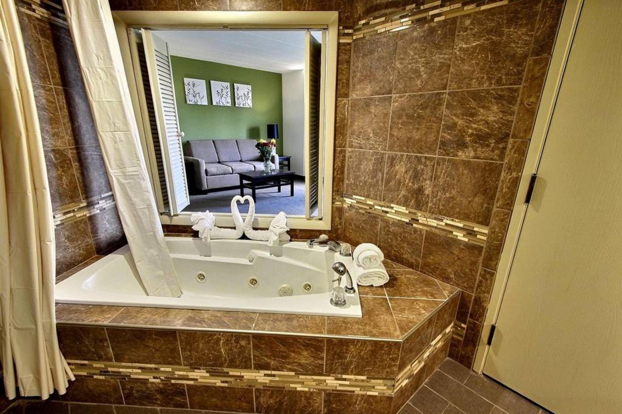 queen-guest-suite-f1.jpg.1024x0.jpg