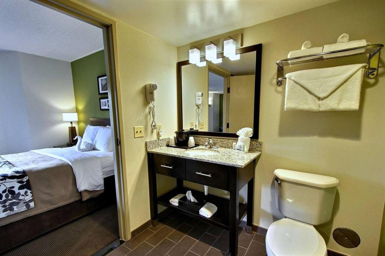 queen-guest-suite-g1.jpg.1024x0.jpg
