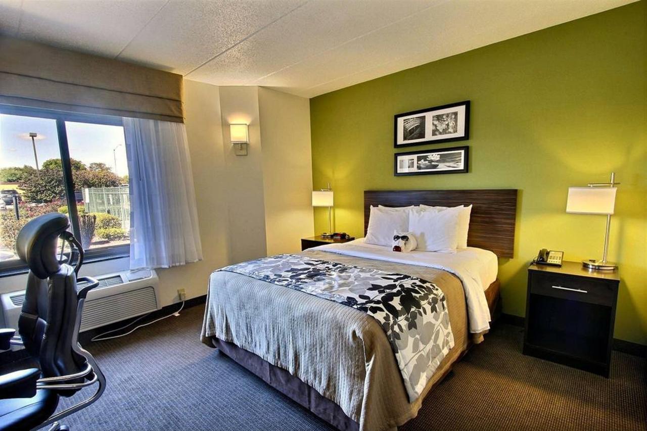 queen-handicap-guest-room-b1-1.jpg.1024x0.jpg